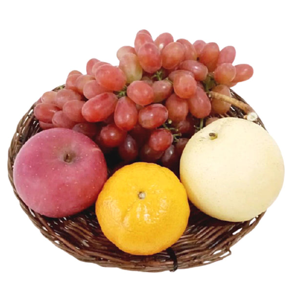 Fruit Tray Set A:Included Grapes 500g and 1 each of Apple,Ponkan,Pear,Tray (per set) Homegrown: Fresh Food, Groceries, Plants and More!