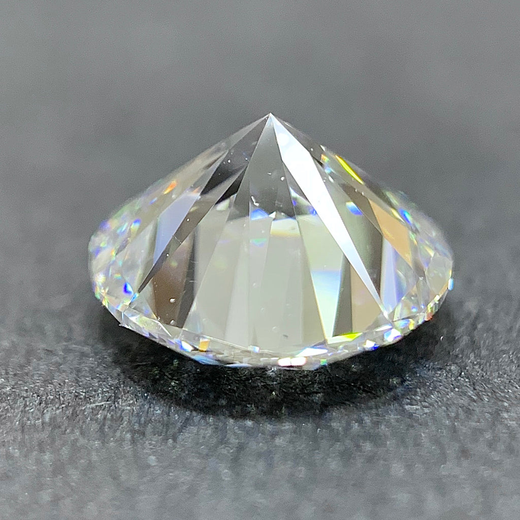1.02ct VS2 E Round Brilliant Cut Lab-Grown Diamond