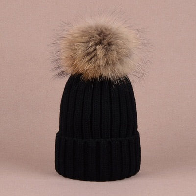 Hat with removable recycled fur pompom/Tuque avec pompom amovible en fourrure recyclée