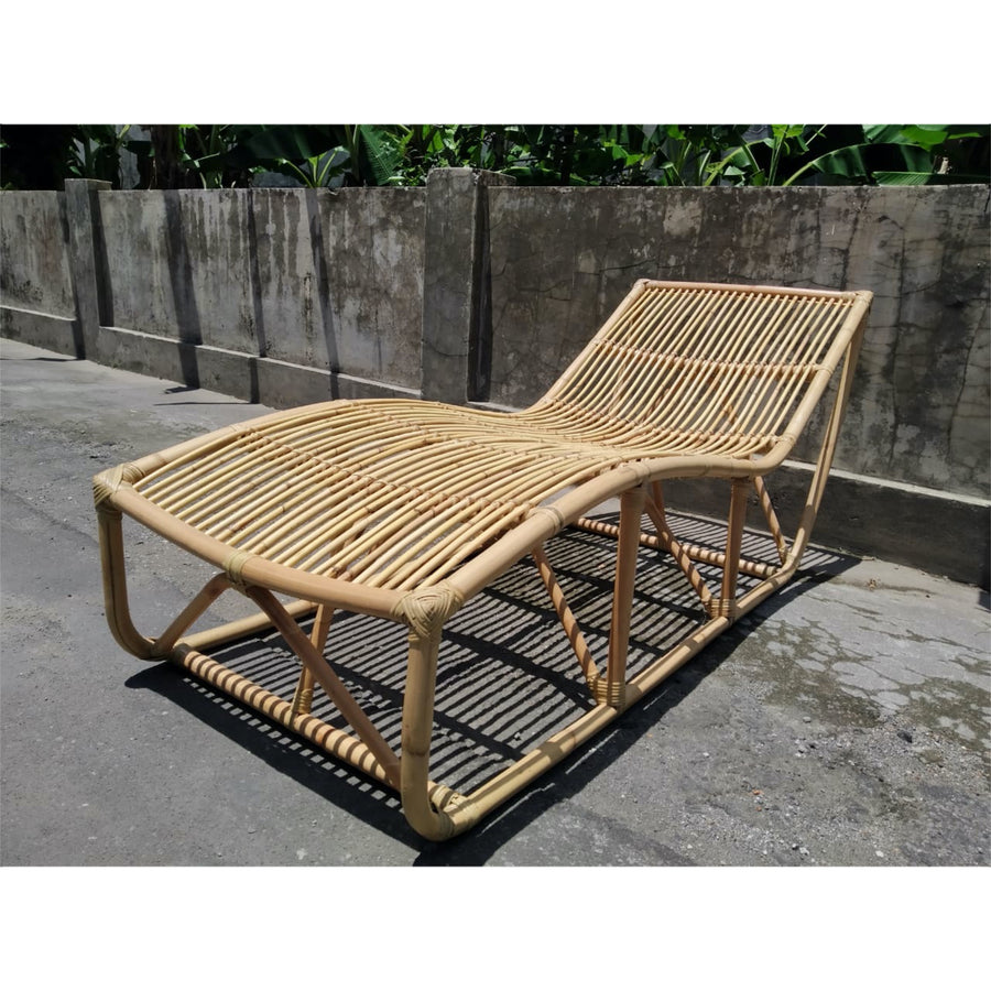Curved Rattan Sunlounger