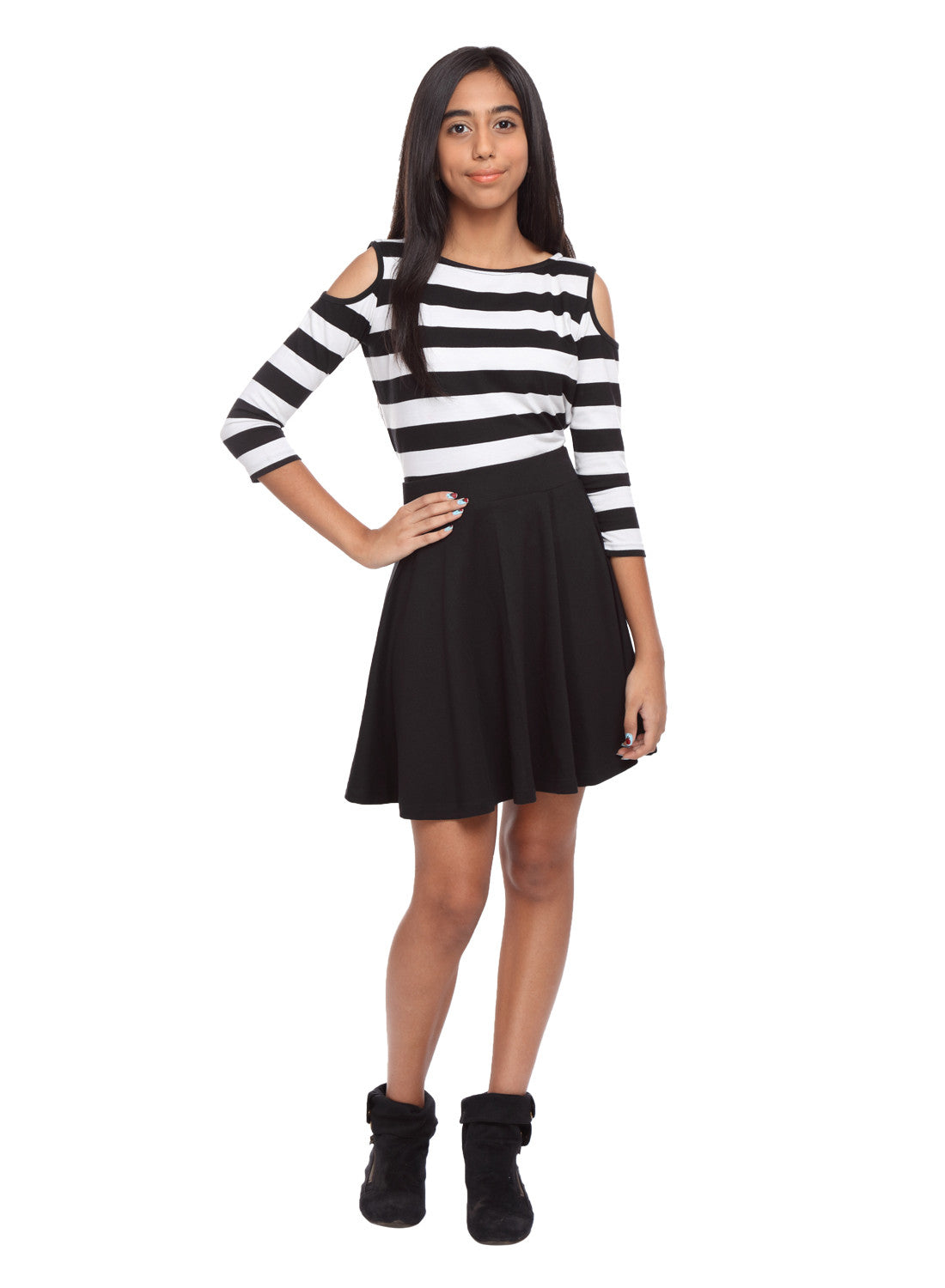 Girls Circle Skirt in Black - GENZEE