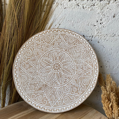 WOODEN CARVING PLATE WHITEWASH