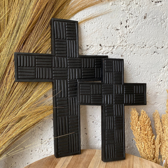 WOODEN CROSS ON THE WALL FULLBLACK