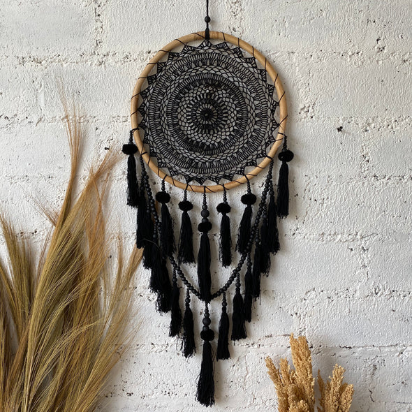 DREAM CATCHER POMPOM BLACK 40CM