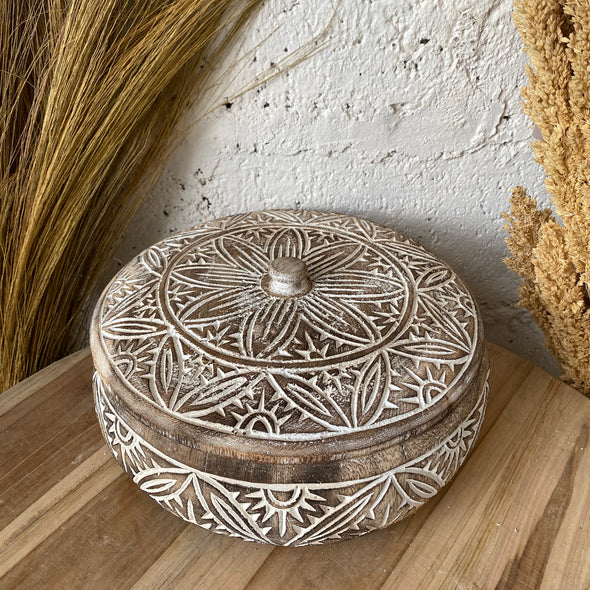 WOODEN CARVING WITH LID A-2