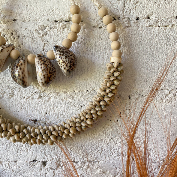 Necklace Round Double Cowrie Tiger Shell