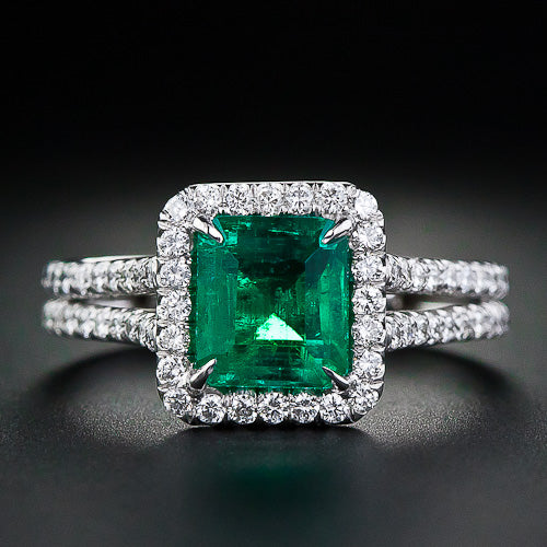 Emerald Gemstone Engagement Ring With VVS White Diamond Accents - ZeeDiamonds