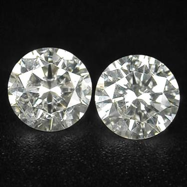 0.20 Carats Pair of White Diamond Solitaires. Excellent Cut & Luster! - ZeeDiamonds