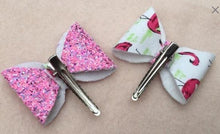 flamingo bows on alligator clips HarveysCloset