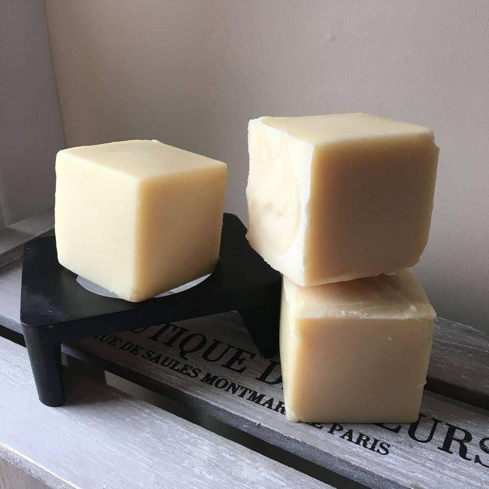 Bain & Savon-Chamomile Shampoo Bar 'Blonde Hair' - The Cruelty Free Beauty Box