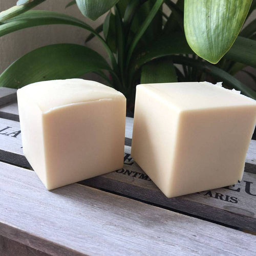 Bain & Savon-Coconut Milk Shampoo Bar - The Cruelty Free Beauty Box