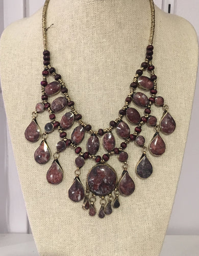 Jafar Necklace in Maroon/Grey