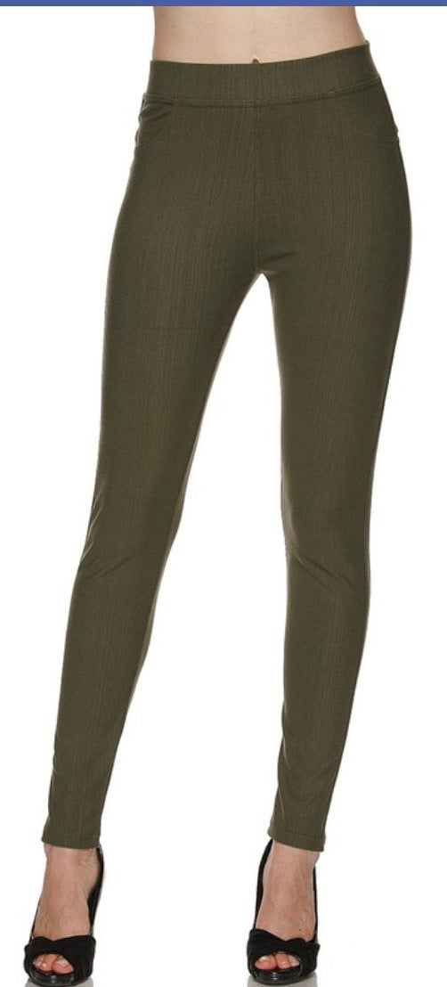 Jeggings in Ankle Length in Olive