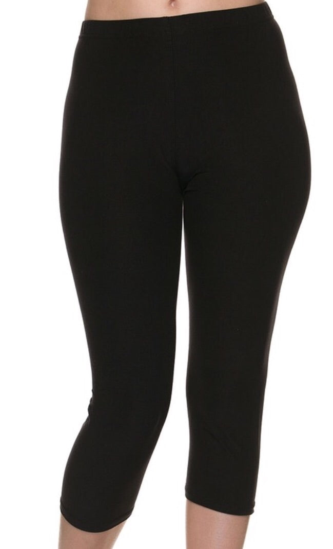 Capri Leggings in Black
