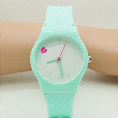 Girl kid Fashion Clover flower wristwatch