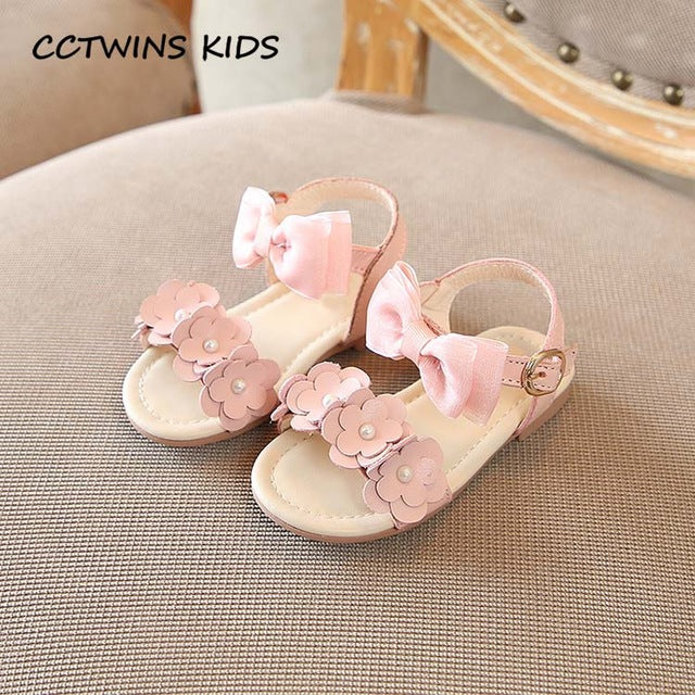 Girl Barefoot Butterfly Sandal Fashion Pearl Shoe