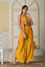 Load image into Gallery viewer, S/S '20 - Dori work blouse with cutdana jacket and dhoti pants - Medium Size