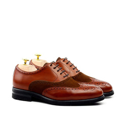 Unique Handcrafted Caramel Brown Wingtip Oxford w/ Full Brogue