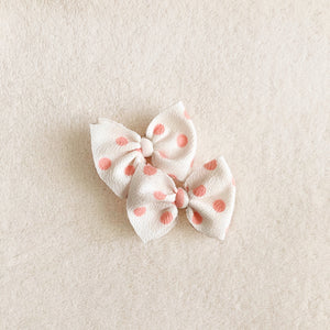 White and pink piggies set