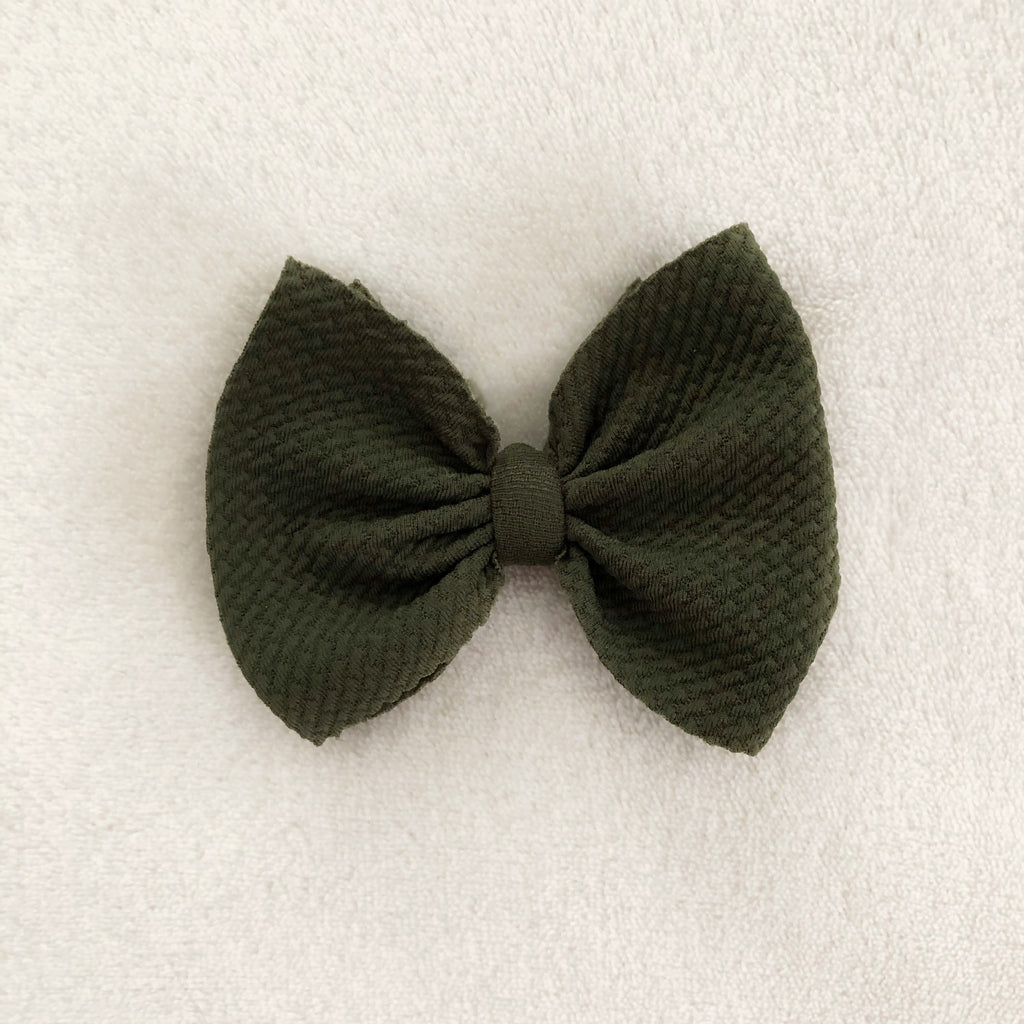 Olive bow clip