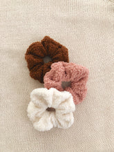 Load image into Gallery viewer, Women's Sherpa scrunchie set