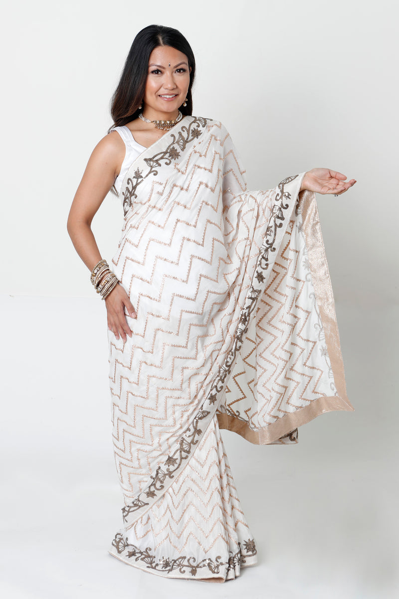 WHITE GEORGETTE FULL BELLY PANEL MATERNITY SARI & BLOUSE RENTAL