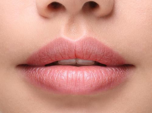 6 Tips & Tricks to Caring For Your Lips