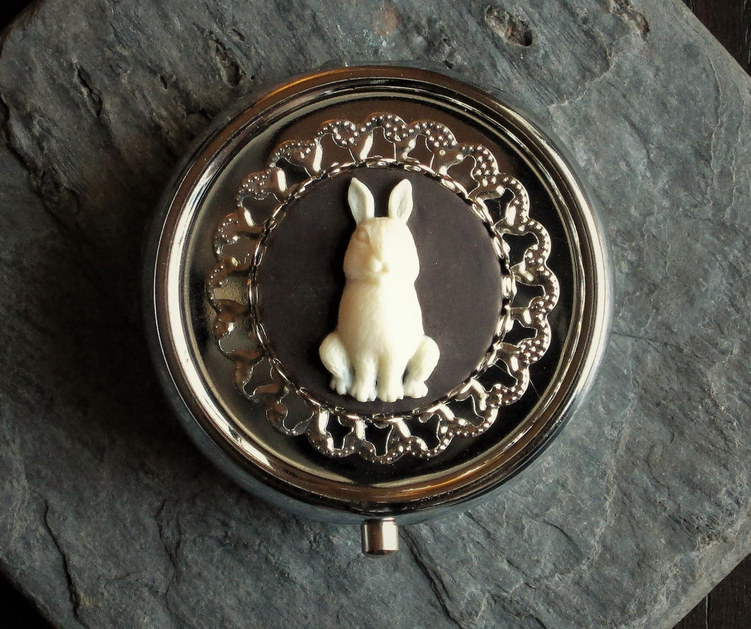 Silver rabbit cameo pill box
