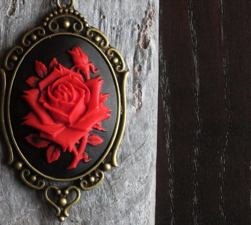 Red rose cameo necklace