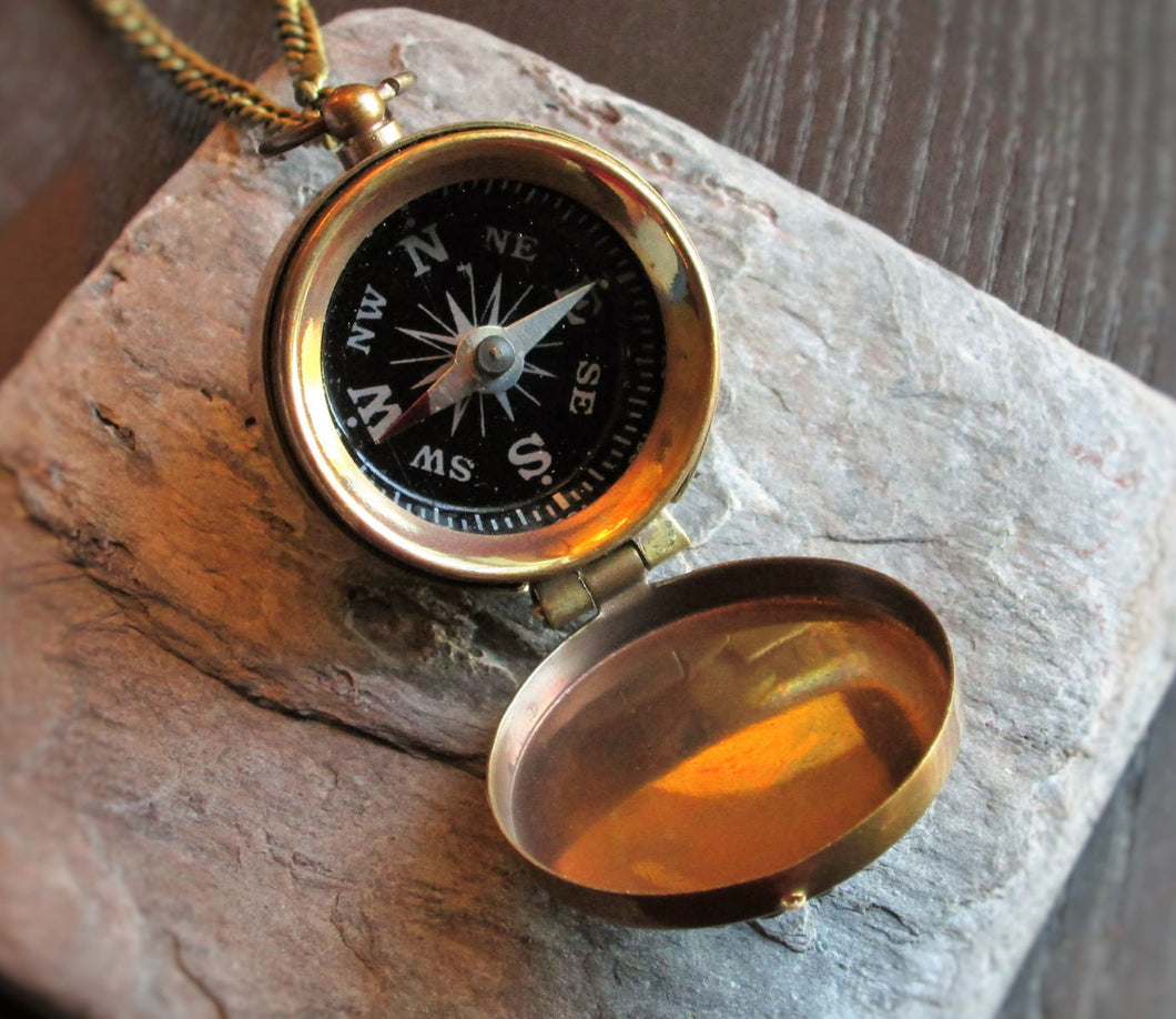 Working compass pendant necklace