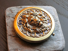 Lion compact mirror