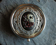 Sugar skull pill box in silver delicate industry
