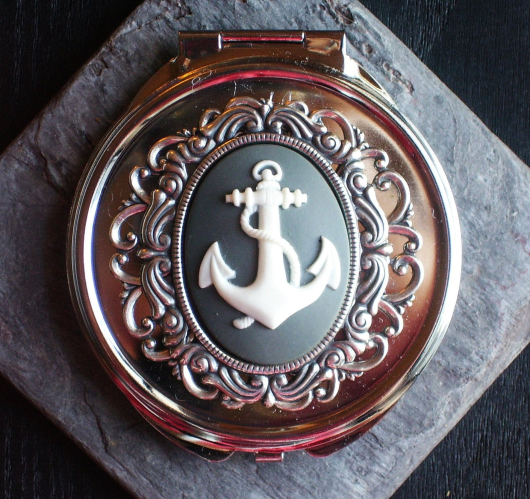 Silver nautical anchor compact mirror