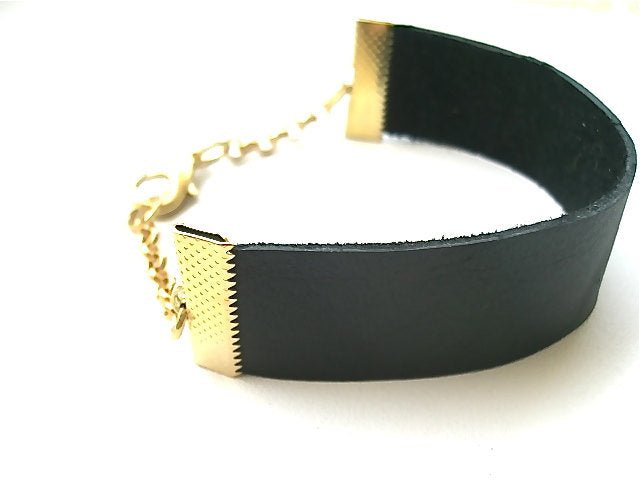 Urban Rebel Minimalist Leather Bracelet with Gold Toned Detail. Fast Shipping from USA with Gift Box & Ribbon.