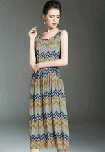 Sleeveless Retro Printed Pleated Dress