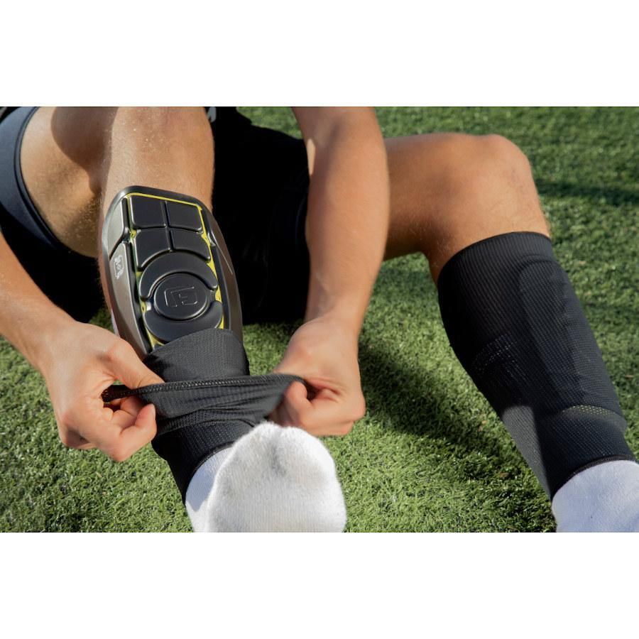 Pumpanickel Sport Shop G-Form Pro-S Elite Shin Guard for soccer football, BMX, longboarding