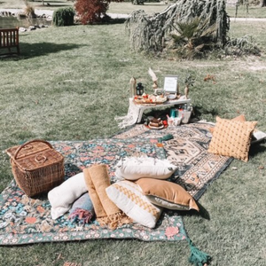 Deluxe Romantic Couples Picnic