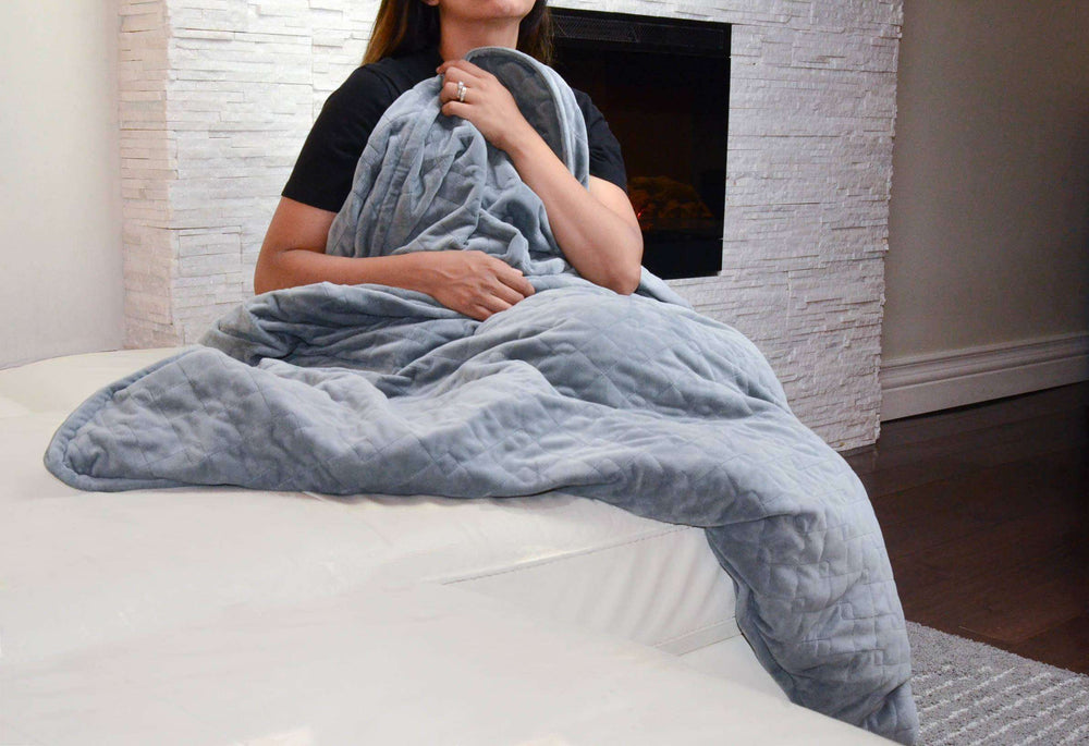 Essential Pack: Weighted Blanket + Plush Cover