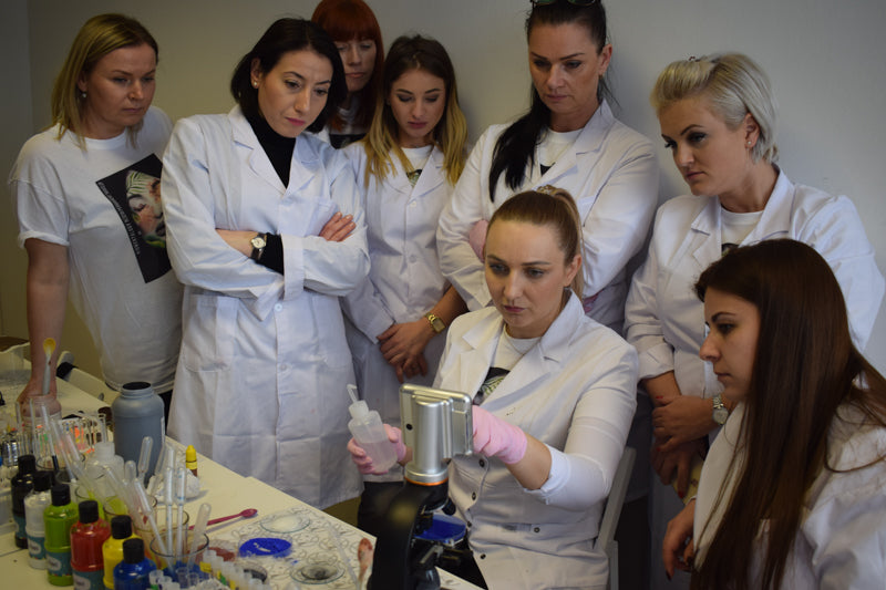 lavina with students in lab