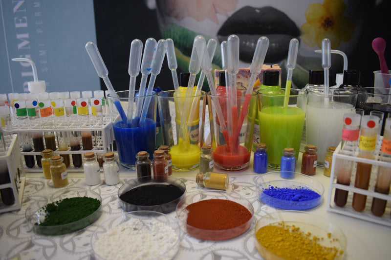 table with many colors for experiment