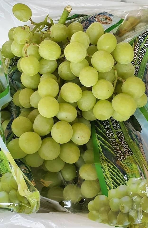 USA Ivory Golden Ox Seedless Green Grapes