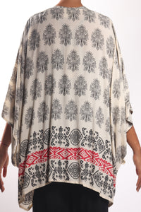 Boho Cape 3/Cream Paisley-Border