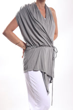 Load image into Gallery viewer, Flow Vest Short/Rayon Lycra Stone Grey