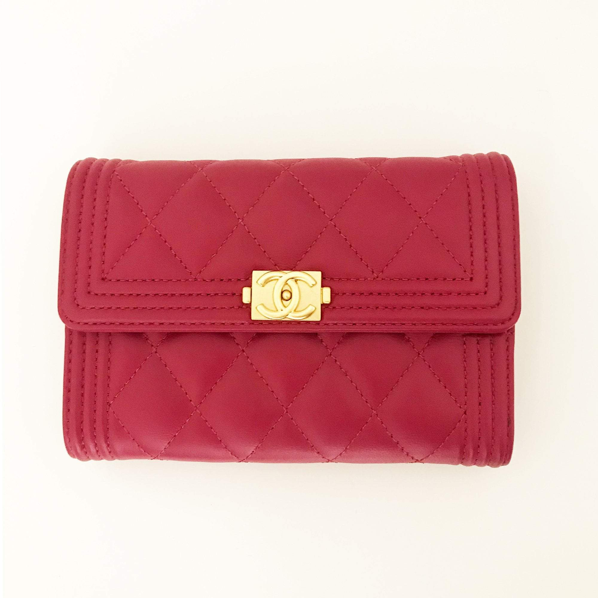 a25cd569b6dfa5 Chanel Small Fuschia Boy Wallet – Garderobe