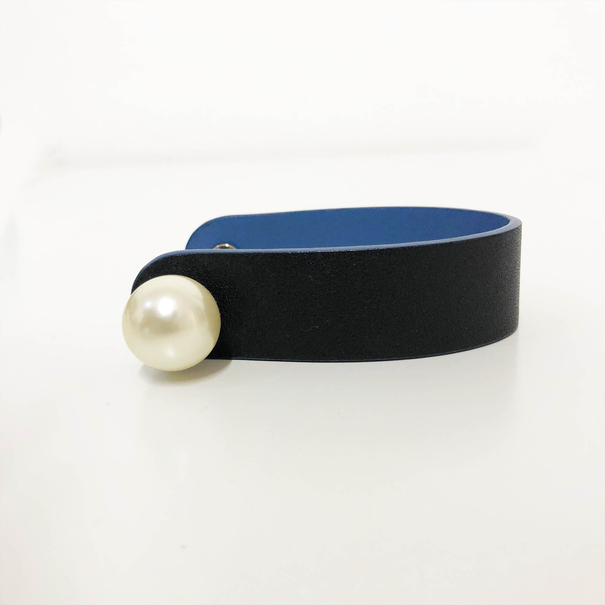 Christian Dior Perle Cuff in Navy Blue