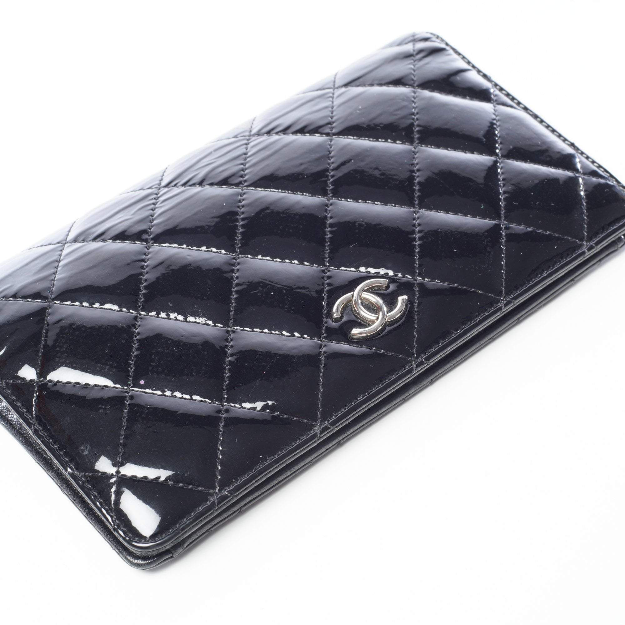 73e216854987 Chanel Black Quilted Patent Wallet – Garderobe