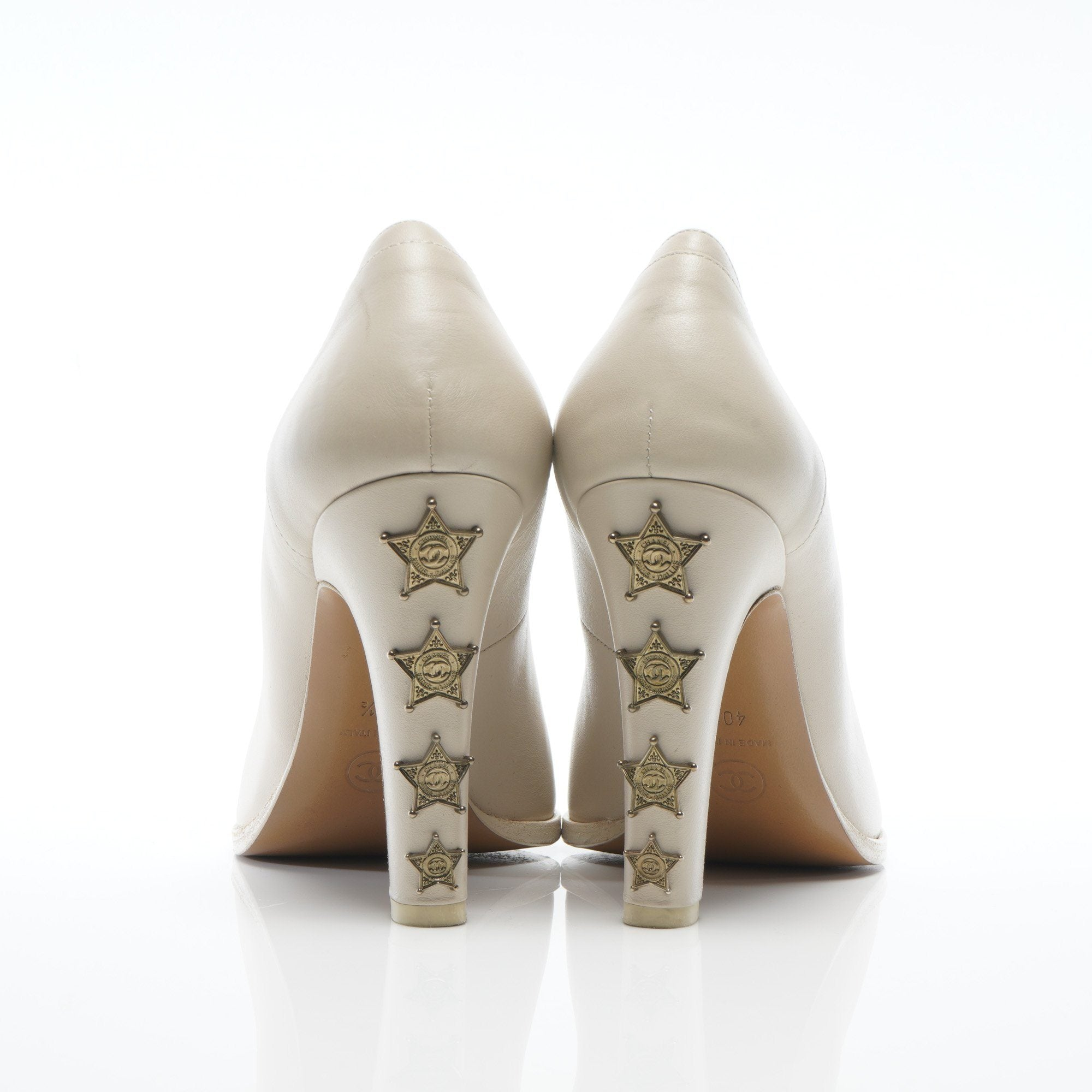 Chanel Beige Leather Paris Dallas Star studded Pumps