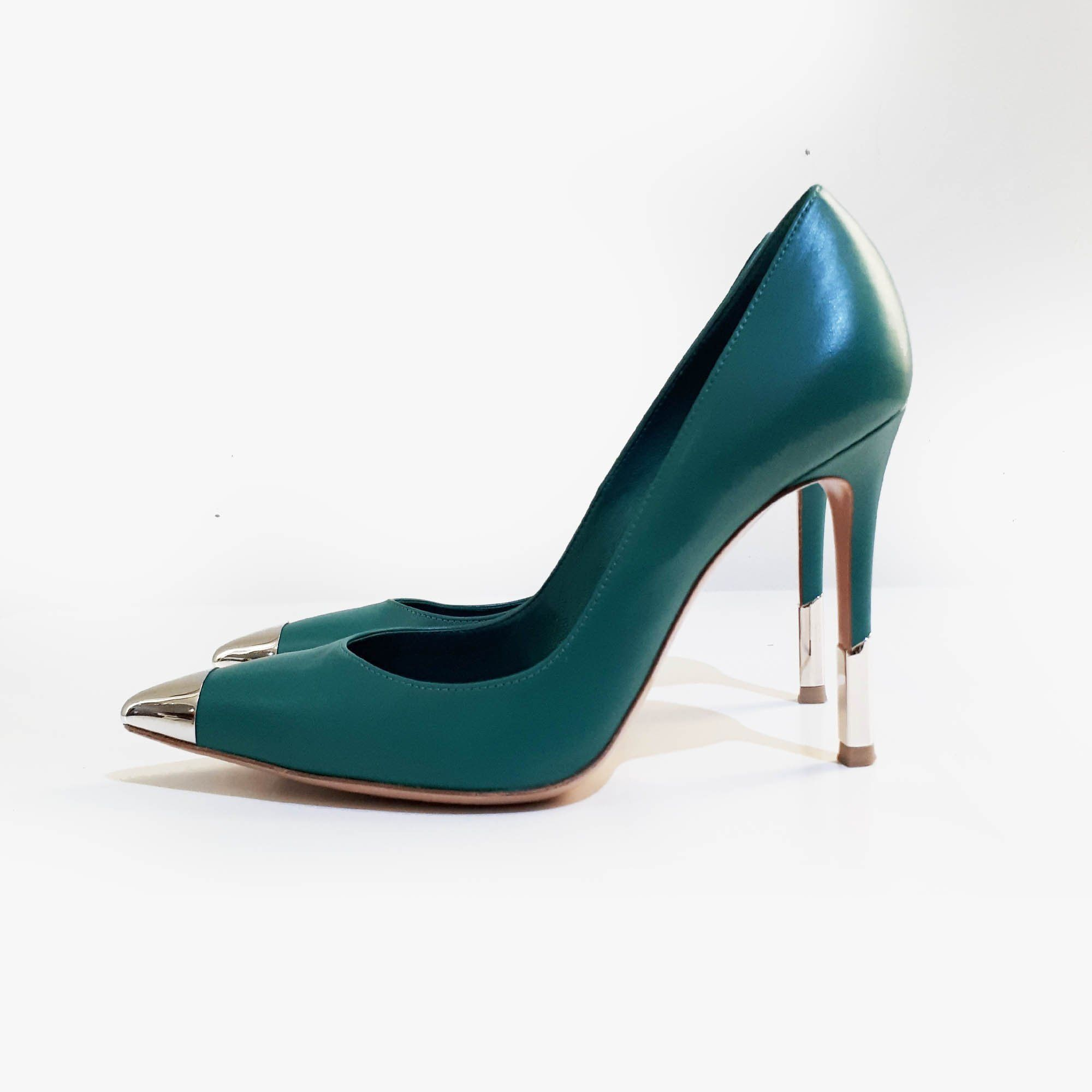 d9fa747162f5 Gianvito Rossi Leather and PVC Pointed Toe Pumps – Garderobe