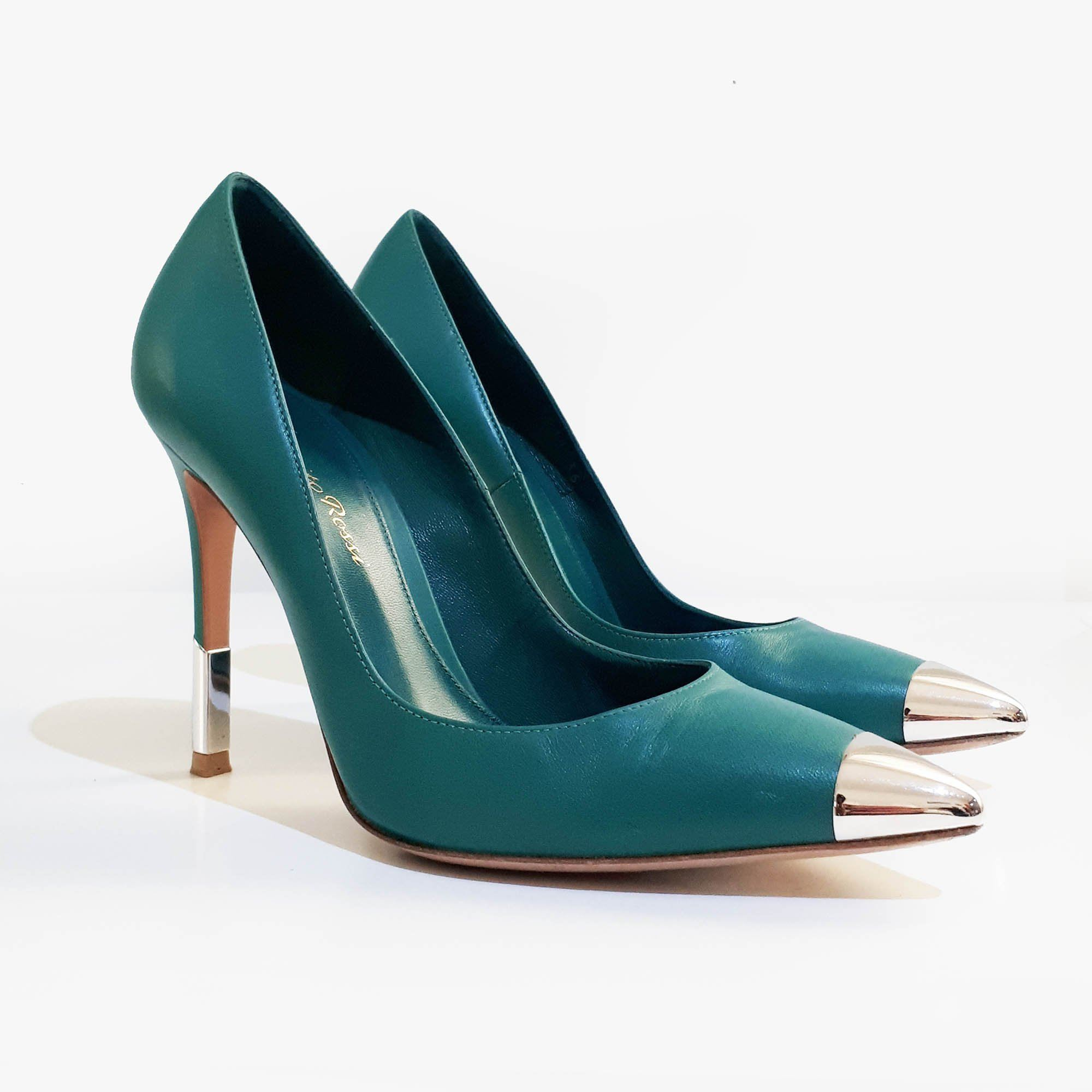 Gianvito Rossi Leather and PVC Pointed Toe Pumps – Garderobe