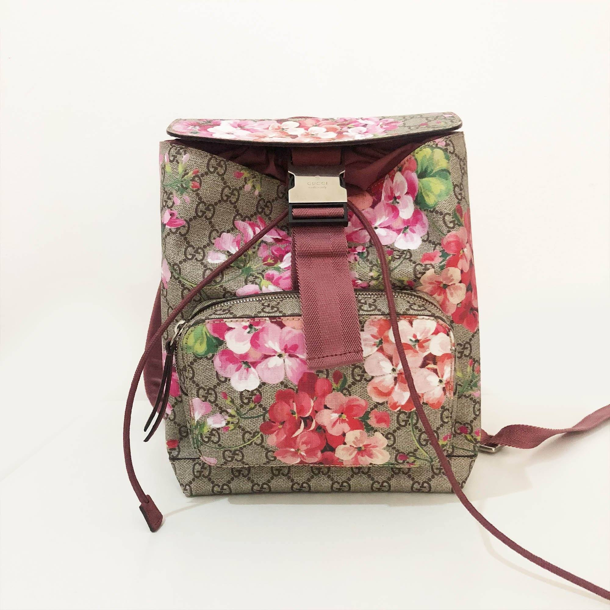 c25a22624ca Gucci GG Blooms Small Backpack – Garderobe